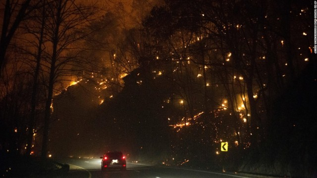 161129070925-01-gatlinburg-fire-1129-super-169