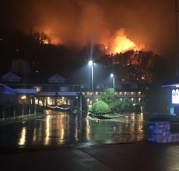 2016-11-29t192621z_1_lynxmpecas1i9_rtroptp_4_usa-fires-tennessee1