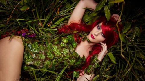 blondiee-australia-as-poison-ivy