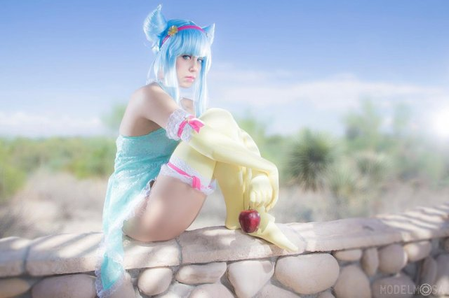 daoko_girl_cosplay___a_lonely_god_by_khainsaw-dah8rfo