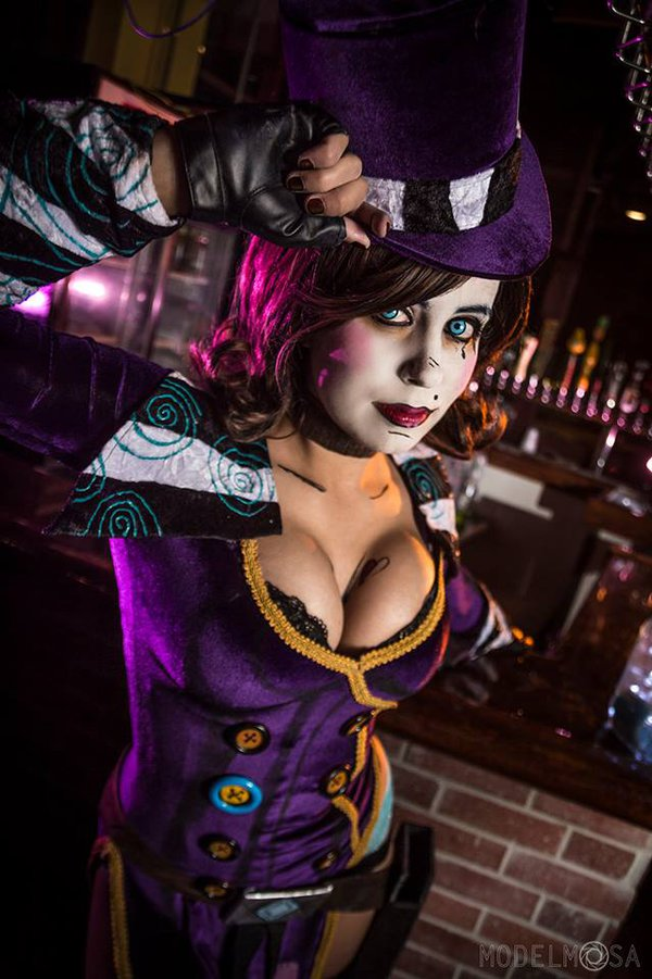 mad_moxxi_cosplay___who_do_you_love__by_khainsaw-dasfi0o