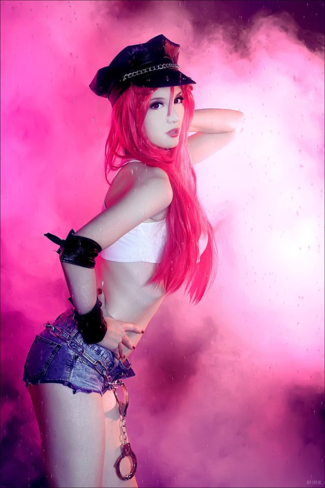 final_fight___poison__street_fighter__by_nikki_evans-d730ic7