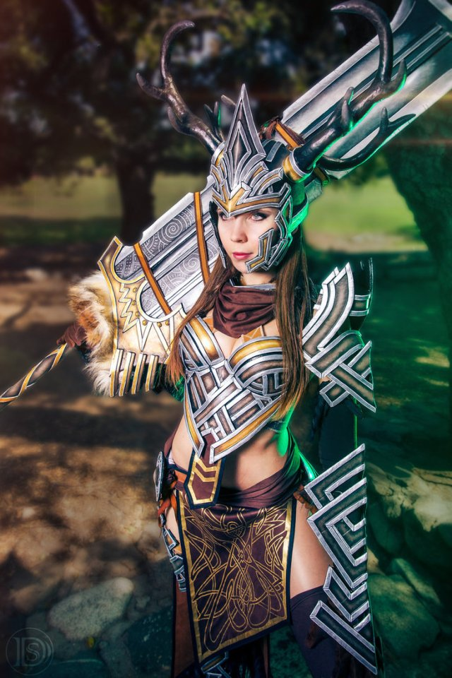 the_warrior___guild_wars_2_by_kamuicosplay-d7oslsj