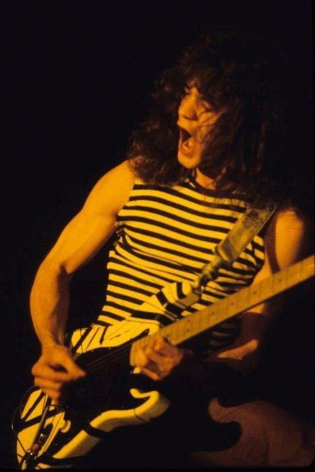 eddie-van-halen-photo-u16