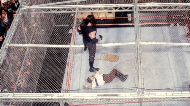 undertaker-vs-mankind-hell-in-a-cell-photo-u1